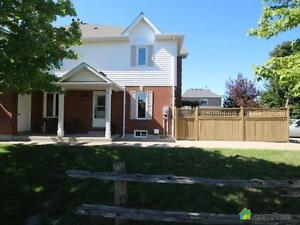 $427,000 - Townhouse for sale in Waterdown