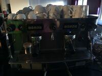 Comerical coffee machine and coffee grinder