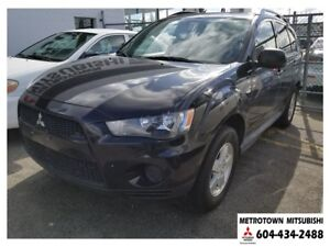 2012 Mitsubishi Outlander ES 4WD; Local vehicle! Tow-hitch!