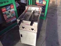 CATERING COMMERCIAL TWIN TANK VALENTINE FAST FOOD FRYER RESTAURANT KITCHEN DINING KITCHEN COMMERCIAL