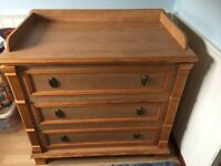 Baby change unit / Chest of drawers