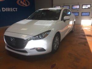 2017 Mazda Mazda3 GS SKY ACTIV/ 6 SPEED MANUAL/ BACK-UP CAM/...