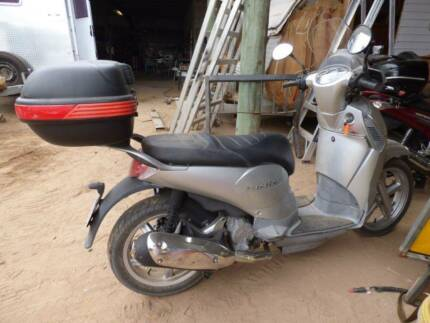 2010 Aprilia Scarabeo 200cc LAM Scooter - seats 2 - $2,200 ono Queenton Charters Towers Area Preview