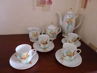 VERY PRETTY VINTAGE TEA SET