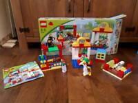 Zoo/vet duplo Lego set