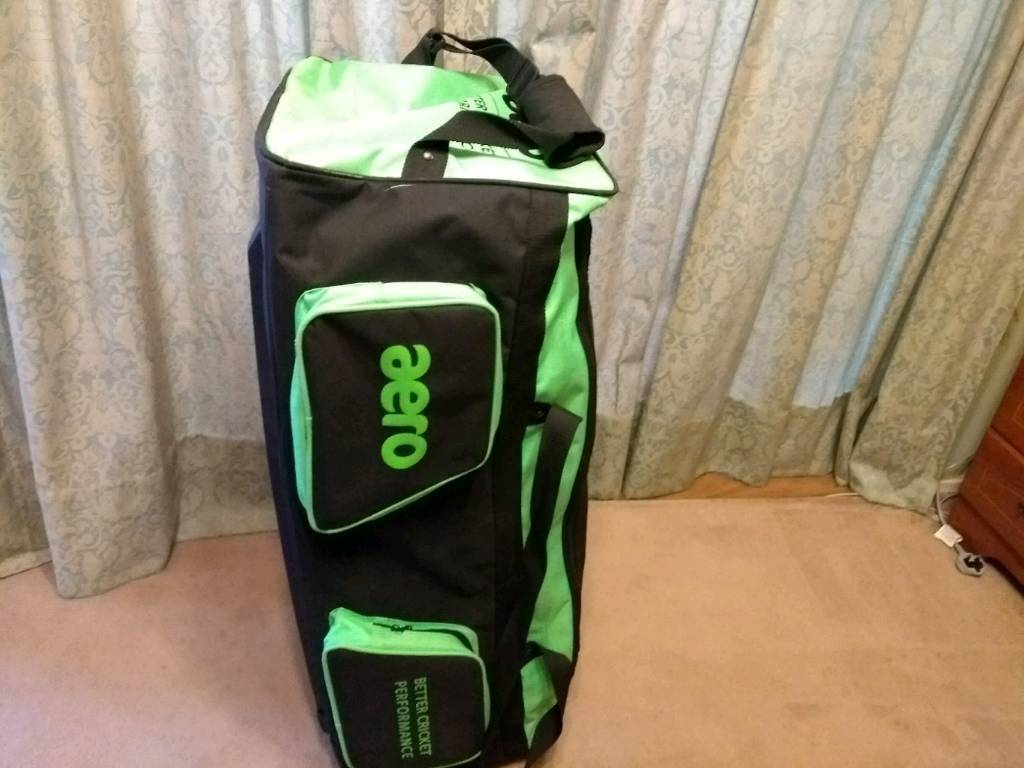 e5bc6bd12c Aero Cricket bag and equipment