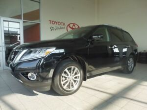 2015 Nissan Pathfinder * SV 4X4 * MAGS * 60 000 KM *
