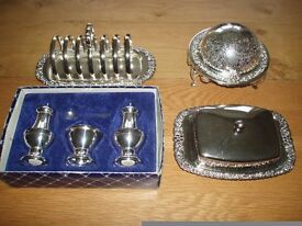 SILVER PLATED TABLEWARE, GEORGIAN STYLE CONDIMENT SET, BUTTER DISH, TOAST RACK, CHEESE / BUTTER DISH