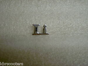 LAMBRETTA-CHROME-BOLT-ON-LI-BADGE