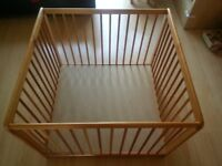 Wooden baby pen including play math