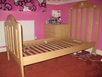 Mamas and Papas Lucia Cot to Junior Cot Bed