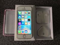iphone 5s 16gb, Gold, Unlocked, Boxed with new unused original accessories **NEW**