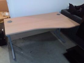 Desk - 140cm Right Hand Wave Desk in Oak