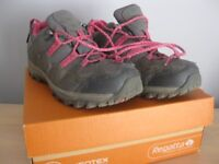 Girls Regatta Walking Boots