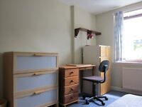 3 bedroom flat in Garthdee. Fully furnished. Well maintained. HMO licensed.