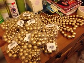 New 3000 pieces costume jewelleries - in boxes