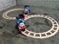 Peg perego Thomas ride on train & tracks x2