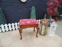 BEAUTIFUL ANTIQUE STYLE SOLID WOOD PIANO STOOL ALL IN MAHOGANY WOOD