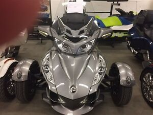 2011 Can-Am Spyder RT-S SE5