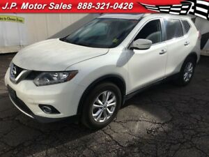 2015 Nissan Rogue SV, Automatic, Panoramic Sunroof, Only 25, 000