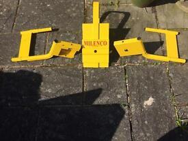 Milenco caravan wheel lock