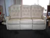 Cream/Beige real leather 3 seat recliner settee in good condition £250