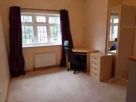 Large double rooms in newly extended house nice country lane close to Farnham Road