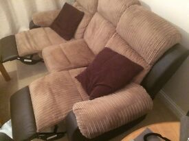 Sofa/Couch for sale. Recliner. Good condition. Pick up needed - Luton area.