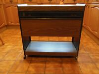 EKCO HOSTESS TROLLEY - ROYAL HO31LB - WALNUT FINISH/SLIDING TOP, all in excellent condition