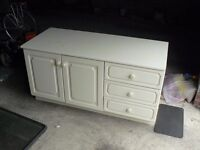 Cream dressing table , good solid make , free to collect