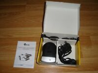 CAMERA & CAMCORDER BATTERY CHARGER (NEW IN BOX)