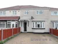 4 Bedroom House - Greenford with Links to transport