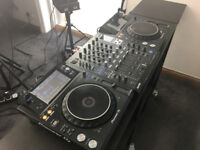 PIONEER XDJ1000 MK2 AND DJM900 SRT 4 CHANNEL MIXER. MINT CONDITION.STUDIO USE ONLY.