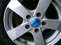 4 alloy wheels