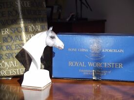 "Horse, Bone China Royal Worcester ""Astrope"""
