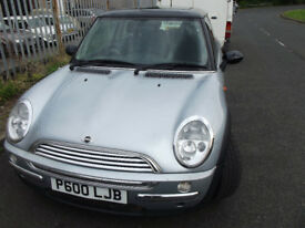 MINI ONE & COOPER BREAKING FOR SPARES MOST PARTS AVAILABLE NEW HEADLAMPS AND SPOTLAMPS R52 R53