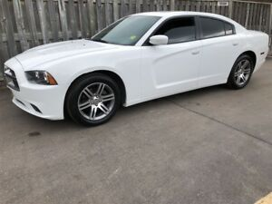 2013 Dodge Charger SXT, Automatic, Sunroof