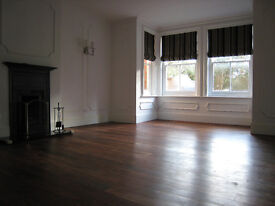 3 bedroom flat in The Street, Shalford, GU4 (3 bed)