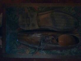 Mens shoes size 9.5 (44)