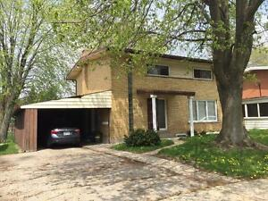 1 BDRM family home in Duplex close to many amenities