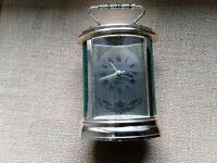 Quartz clock with alarm