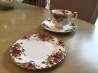 """Royal Albert """"Old Country Roses"""" Fine China Large Collection"""