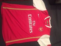 ARSENAL FOOTBALL TOP - SIZE 13/15 - EXCELLENT CONDITIN £8.00