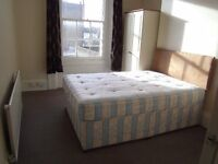 In4FloorHouse 1st Floor Double Room Share3KitchenDiner3ShowersWC IncludesBillsNet NearBusTubeShops