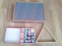 NEW IN BOX SEALED 1.5 INCH 38MM FULL SET OF SPOTS STRIPES POOL BALLS + WOODEN TRIANGLE LEICESTER