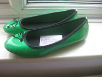 Green flat shoes Euro size 40 (UK equivalent 6.5) - new with tag