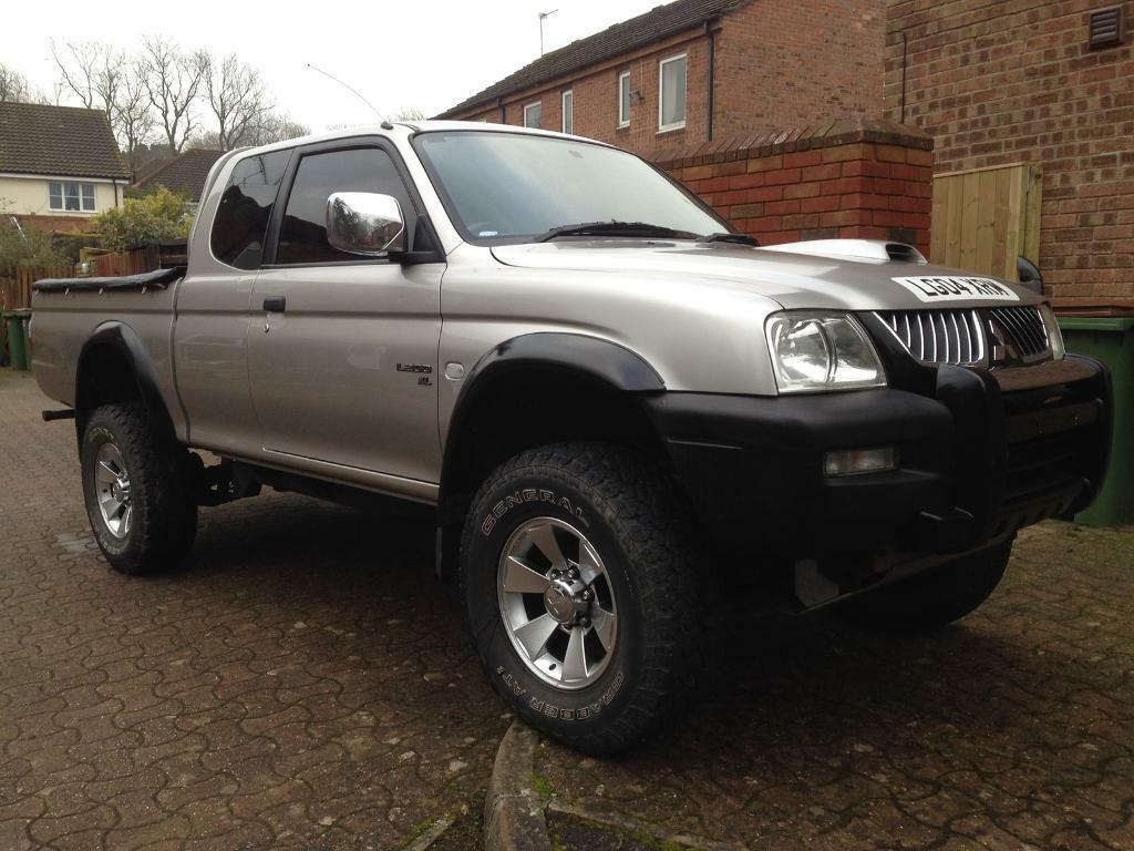 mitsubishi l200 4work club cab low mileage 2owners great truck in horsham west sussex gumtree. Black Bedroom Furniture Sets. Home Design Ideas