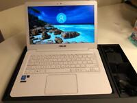 Asus Zenbook - Ultrabook laptop - white - a Asus Zenbook - Ultrabook Windows 10 laptop - white