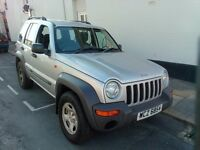 2004 DIESEL CHEROKEE CRD SPORT JEEP, GOOD CONDITION,NEW MOT ,FULL HISTORY .76000 miles