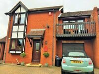 3 bed semi detached house in Blue Bridge - large rooms, balcony, lovely garden, off road parking
